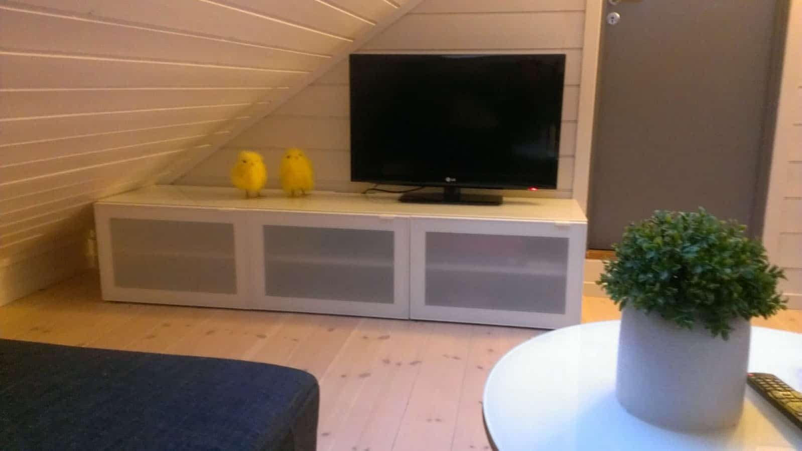 2nd floor tv area